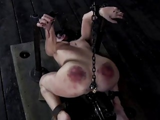 Queen of pain Elise takes it hard and rough BDSM