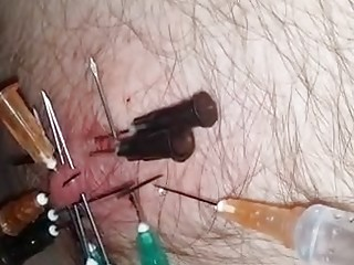 Dude gets his nipples tortured by a sadistic horny domme