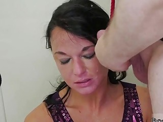 Teen babe enjoys deep throat before getting cum on face