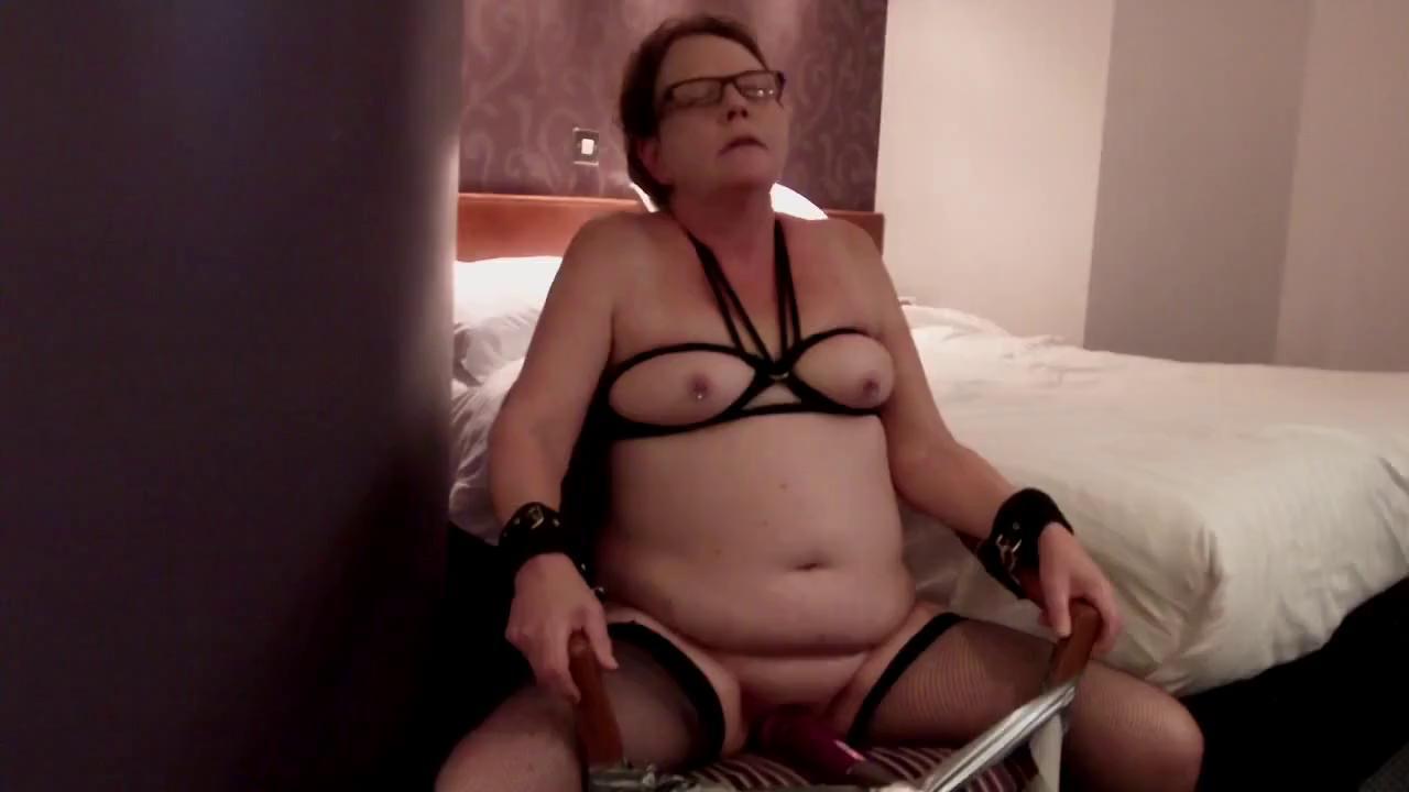 brazilian girl bare ass